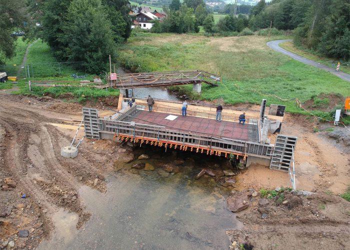 Neubau einer Brücke - Lam